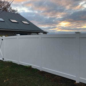 6' Solid Vinyl with Arched Gate
